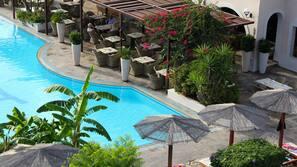 3 outdoor pools, pool umbrellas
