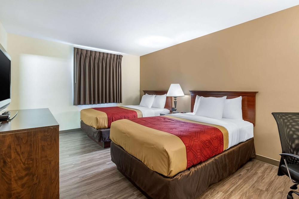 Room, Econo Lodge Inn & Suites Fairgrounds