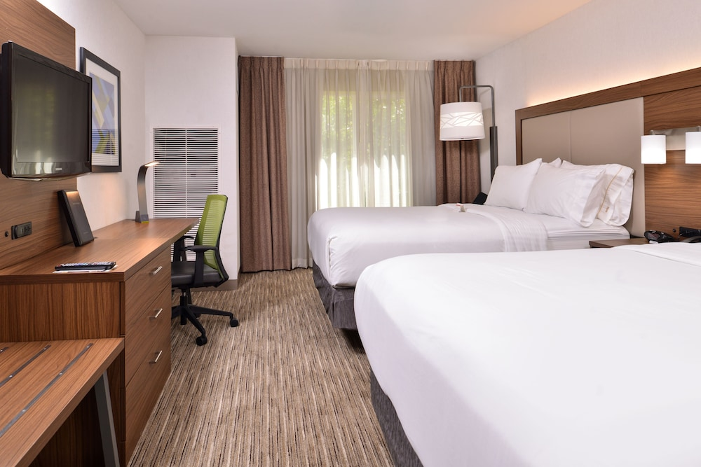 Room, Holiday Inn Express Hotel & Suites Lacey