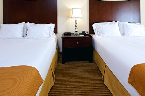 Great Place to stay Holiday Inn Express Hotel & Suites Cleburne near Cleburne