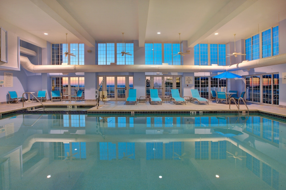 Pool, Holiday Inn Express & Suites Petoskey
