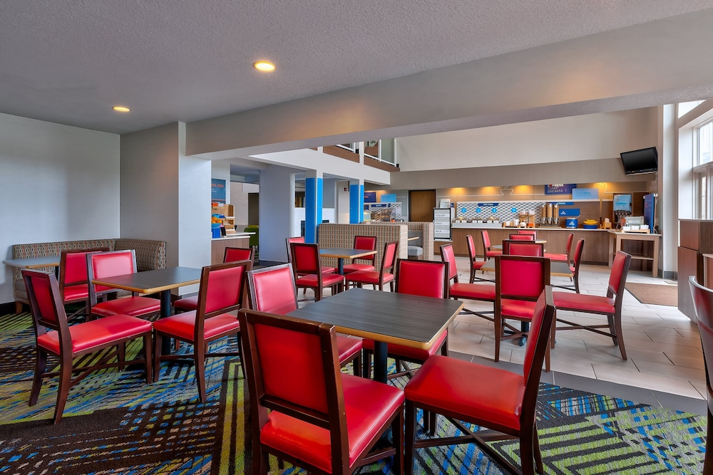 Breakfast Meal, Holiday Inn Express & Suites Petoskey