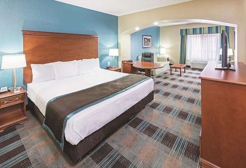 La Quinta Inn & Suites by Wyndham Houston Hobby Airport
