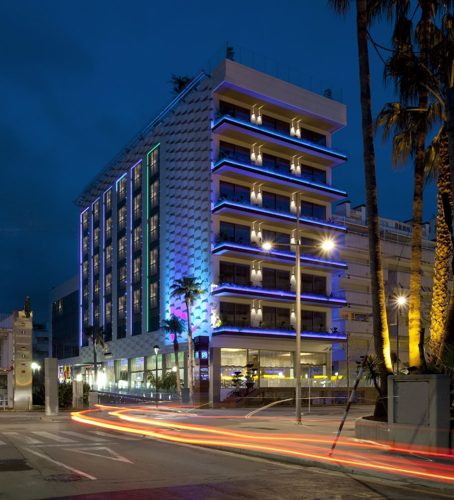 Front of Property - Evening/Night, Hotel MiM Sitges