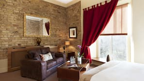 10 bedrooms, premium bedding, iron/ironing board, free WiFi