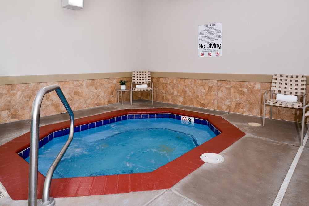 Hotels In Cheyenne Wy With Hot Tub In Room