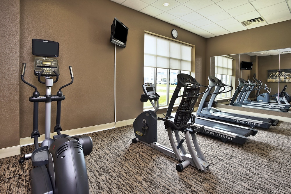 Fitness Facility, Holiday Inn & Suites Green Bay Stadium, an IHG Hotel
