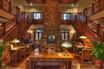FivePine Lodge & Spa, Bend: 2019 Room Prices & Reviews