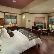 FivePine Lodge & Spa