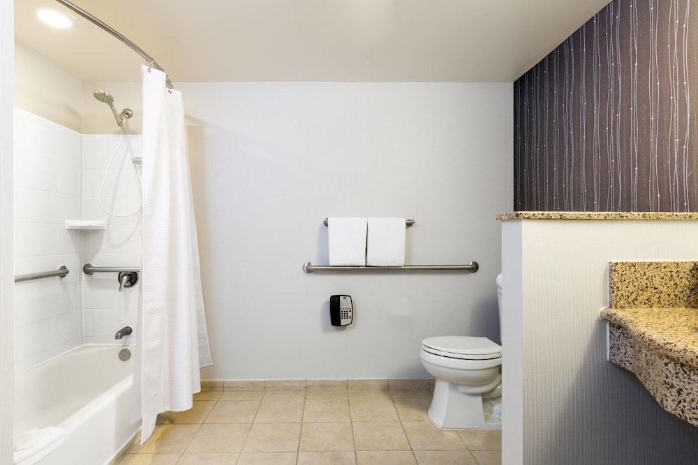 Bathroom, Courtyard by Marriott Houston by the Galleria