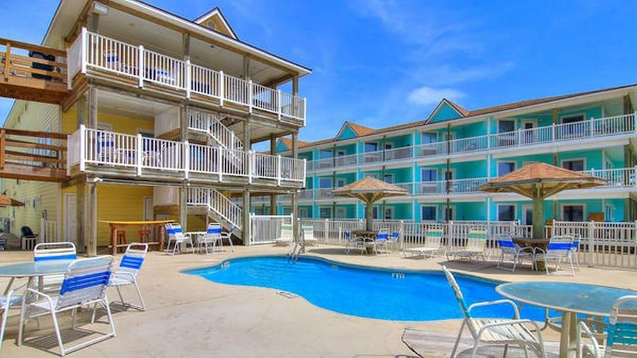 Beachgate CondoSuites and Oceanfront Resort