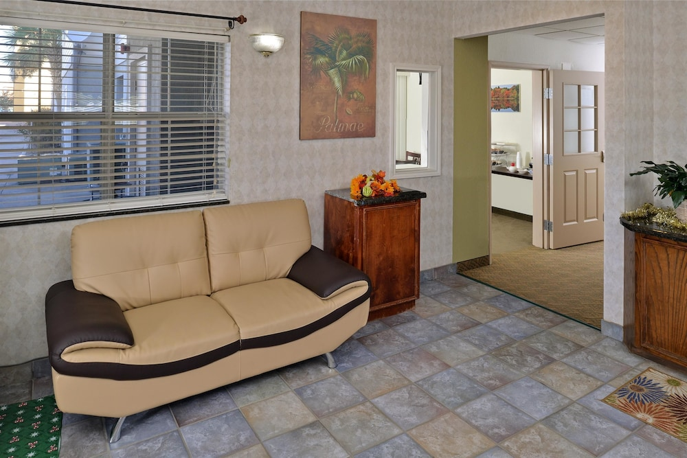 Lobby, Americas Best Value Inn & Suites Winnie