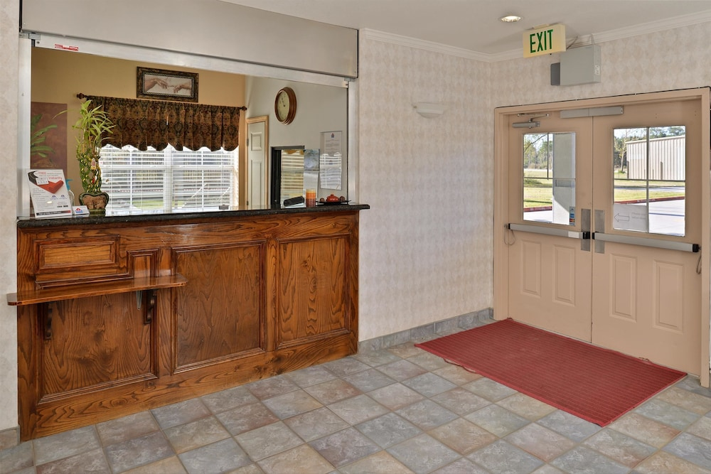 Reception, Americas Best Value Inn & Suites Winnie