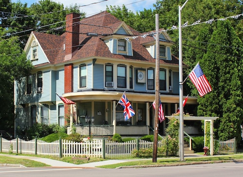 Great Place to stay The Red Kettle Inn Bed and Breakfast near Watkins Glen