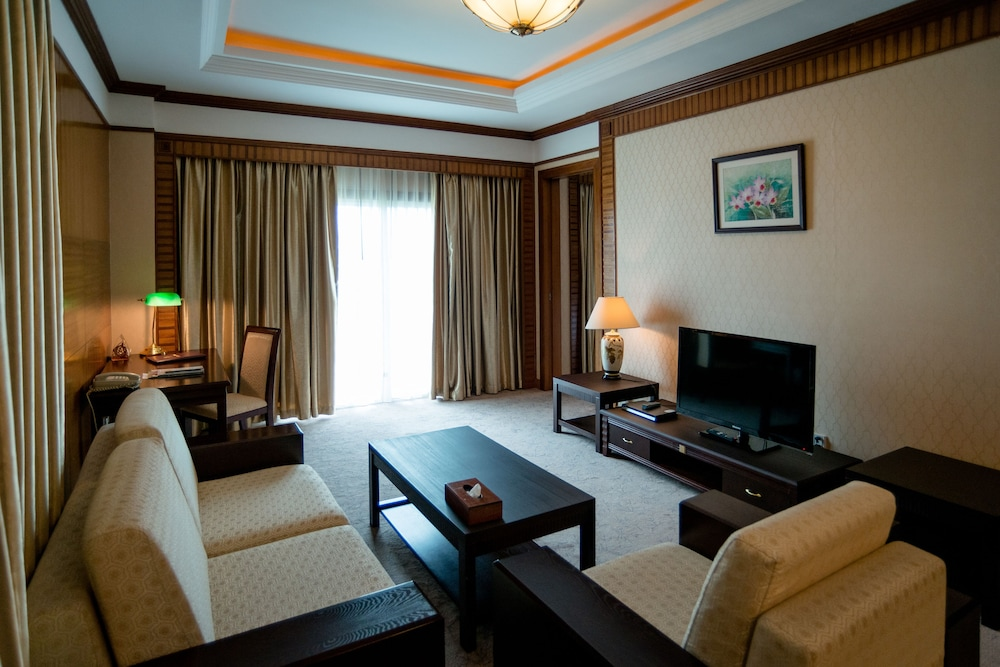 Living Room, Don Chan Palace, Hotel & Convention