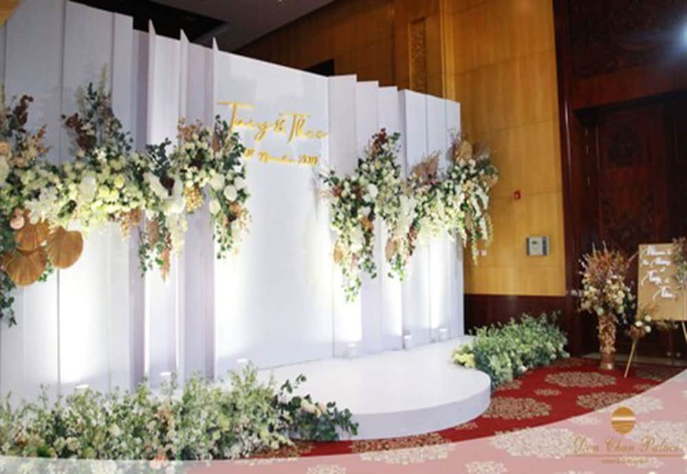 Outdoor Wedding Area, Don Chan Palace, Hotel & Convention