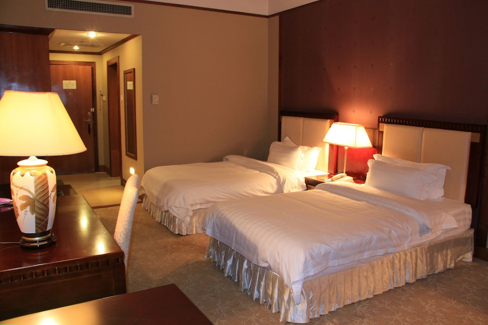 Room, Don Chan Palace, Hotel & Convention
