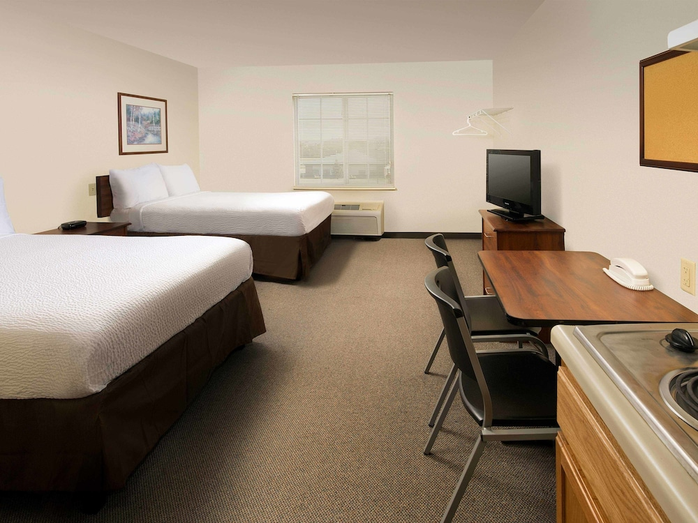 Room, WoodSpring Suites Ankeny