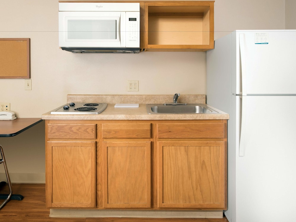 Private Kitchen, WoodSpring Suites Ankeny