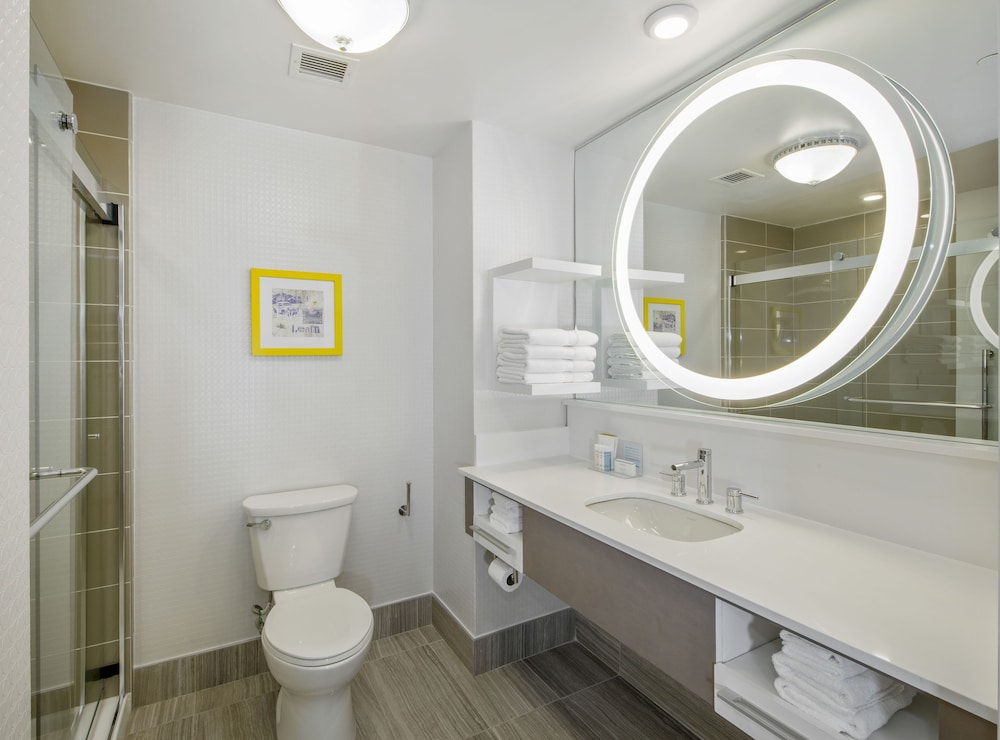 Bathroom, Hampton Inn & Suites Raleigh-Durham Airport-Brier Creek