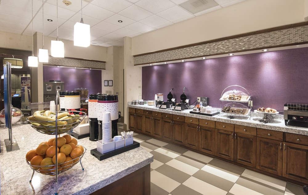 Breakfast buffet, Hampton Inn & Suites Raleigh-Durham Airport-Brier Creek