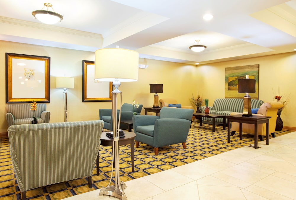 Lobby, Holiday Inn Express Hotel & Suites Chicago South Lansing, an IHG Hotel