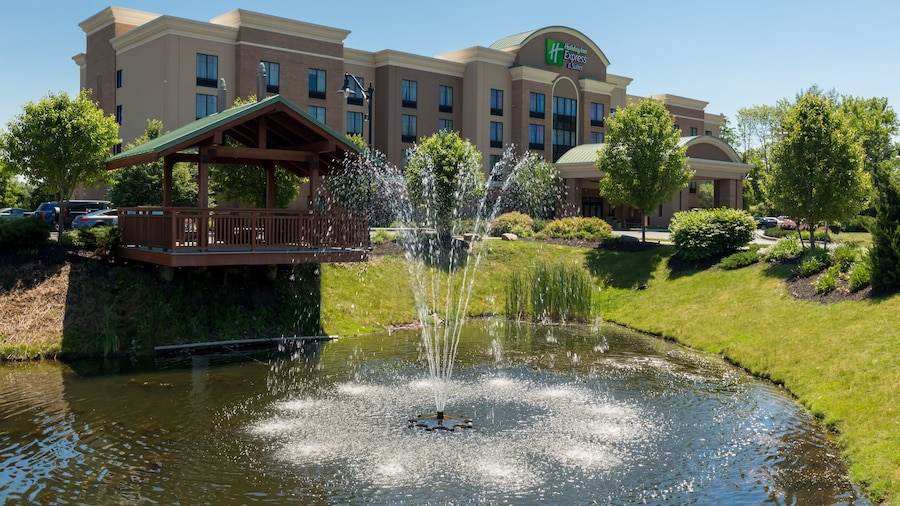 Holiday Inn Express & Suites Rochester Webster, an IHG Hotel
