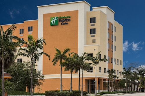 Holiday Inn Express & Suites Fort Lauderdale Airport South, an IHG Hotel