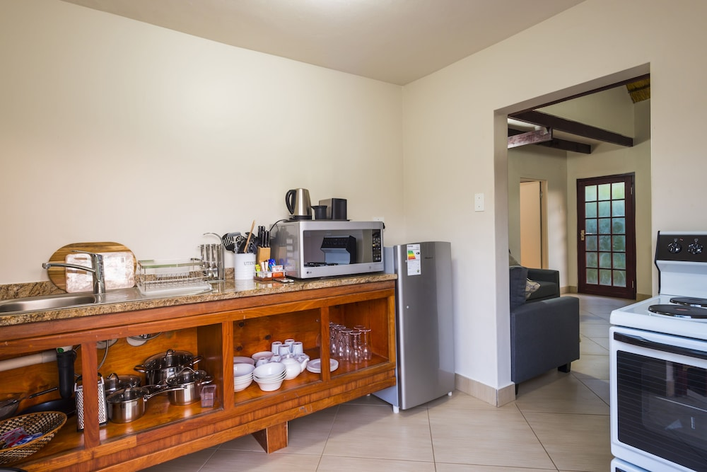 Private Kitchenette, ANEW Hotel Hluhluwe