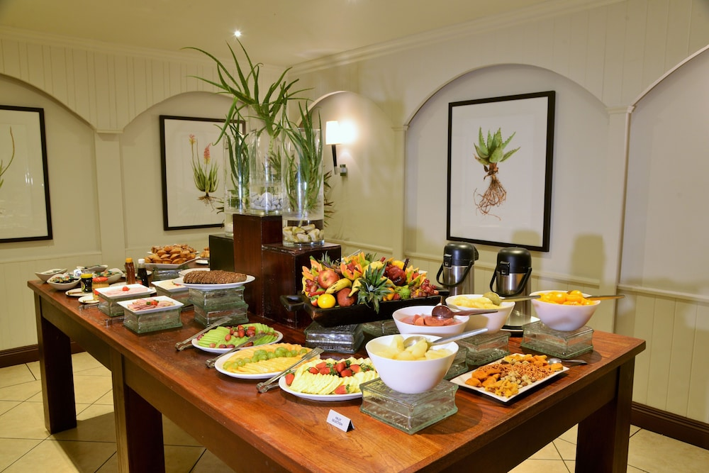 Breakfast buffet, ANEW Hotel Hluhluwe