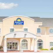 Days Inn & Suites by Wyndham Swainsboro