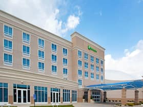 Holiday Inn Toledo-Maumee (I-80/90), an IHG Hotel