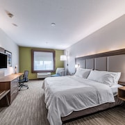 Holiday Inn Express & Suites Fort Worth - Fossil Creek
