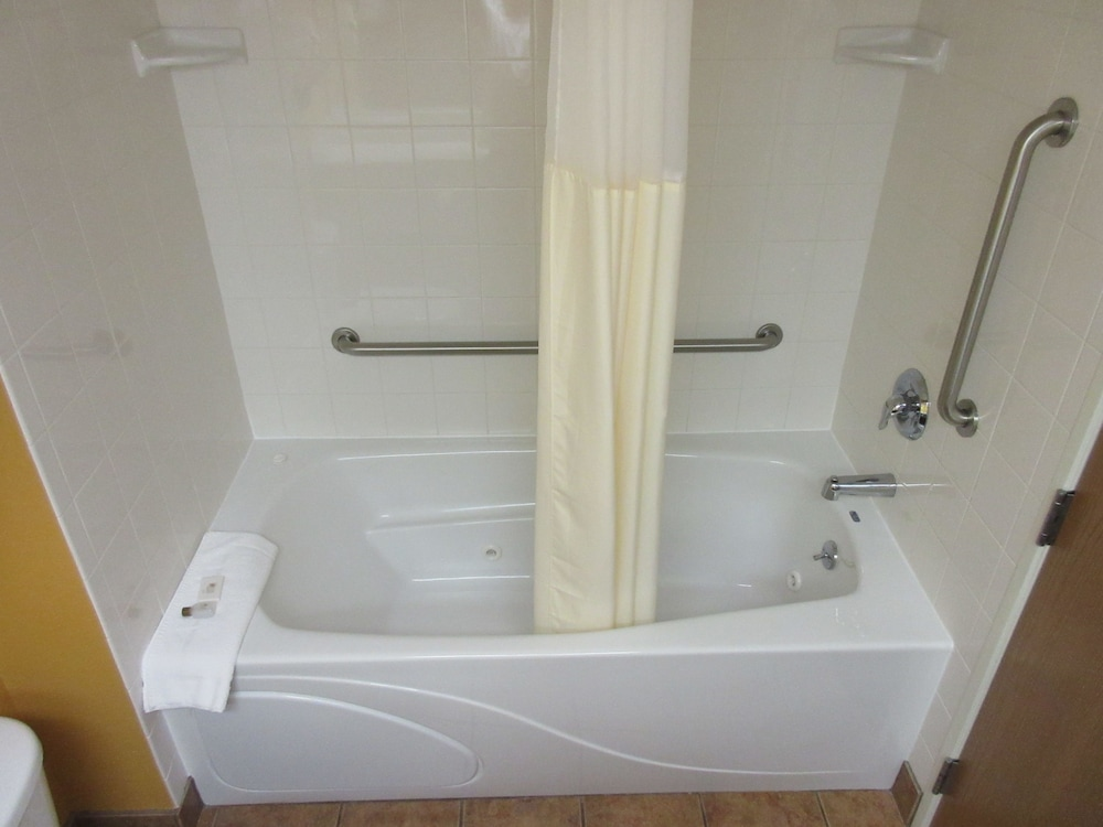Jetted Tub, Parkfield Inn