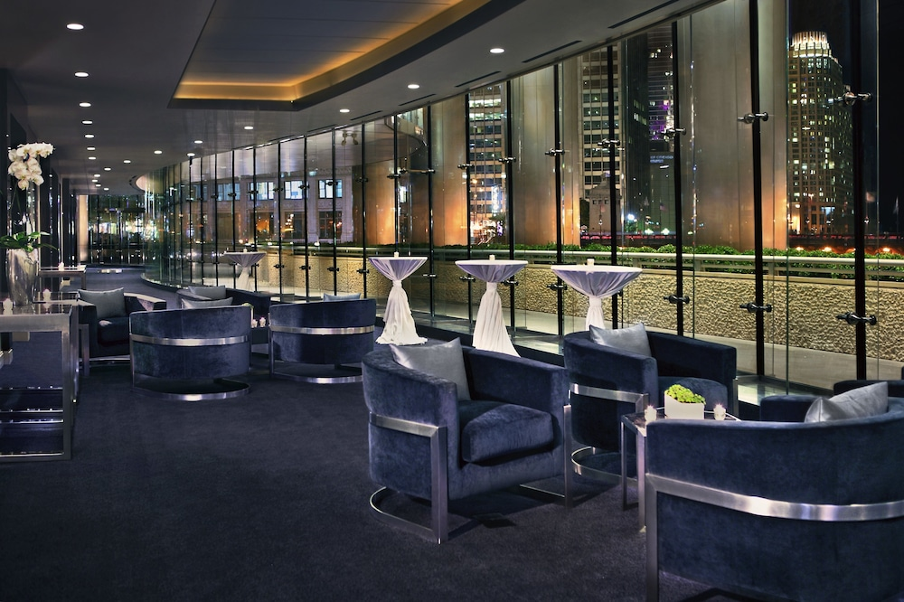 Lobby Lounge, Trump International Hotel & Tower Chicago