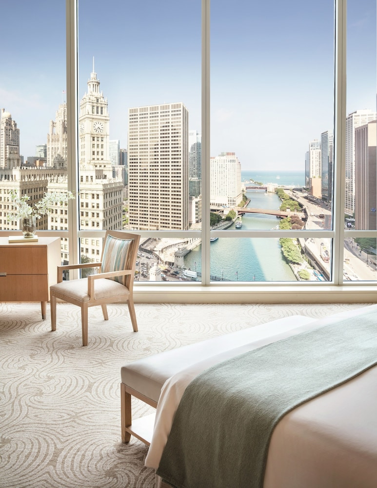 Lake View, Trump International Hotel & Tower Chicago