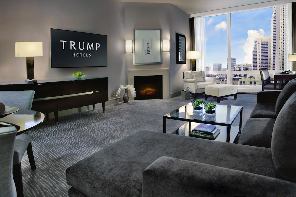 Living Area, Trump International Hotel & Tower Chicago