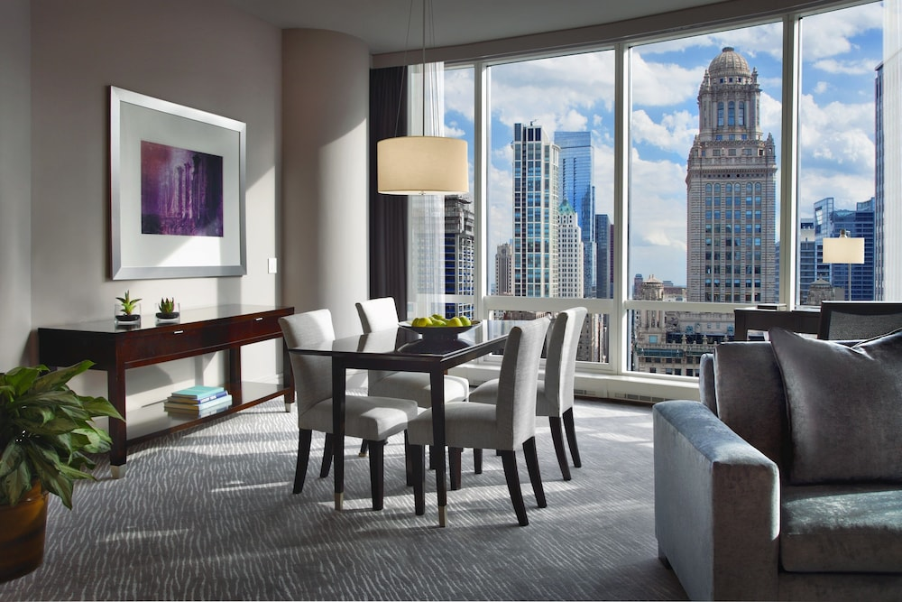 In-Room Dining, Trump International Hotel & Tower Chicago