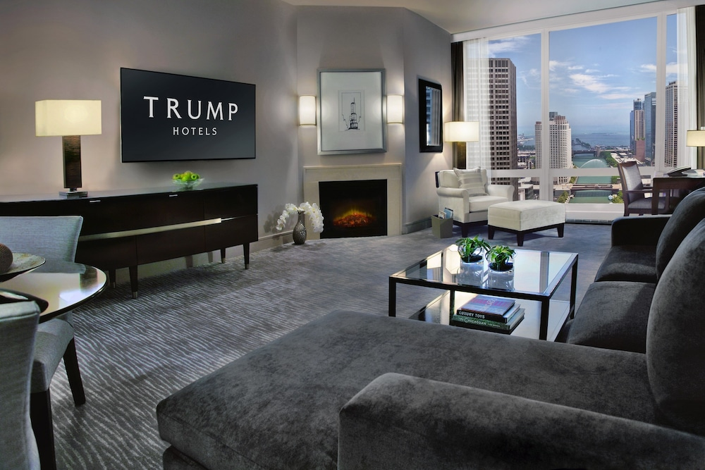 Trump Tower Chicago Rooms Hotel All Window Kitchen Living Room