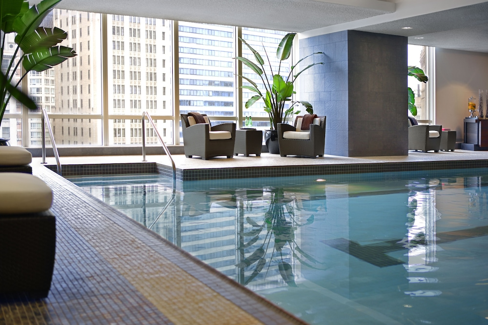 Pool, Trump International Hotel & Tower Chicago