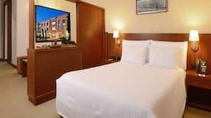 Premium bedding, down comforters, minibar, in-room safe