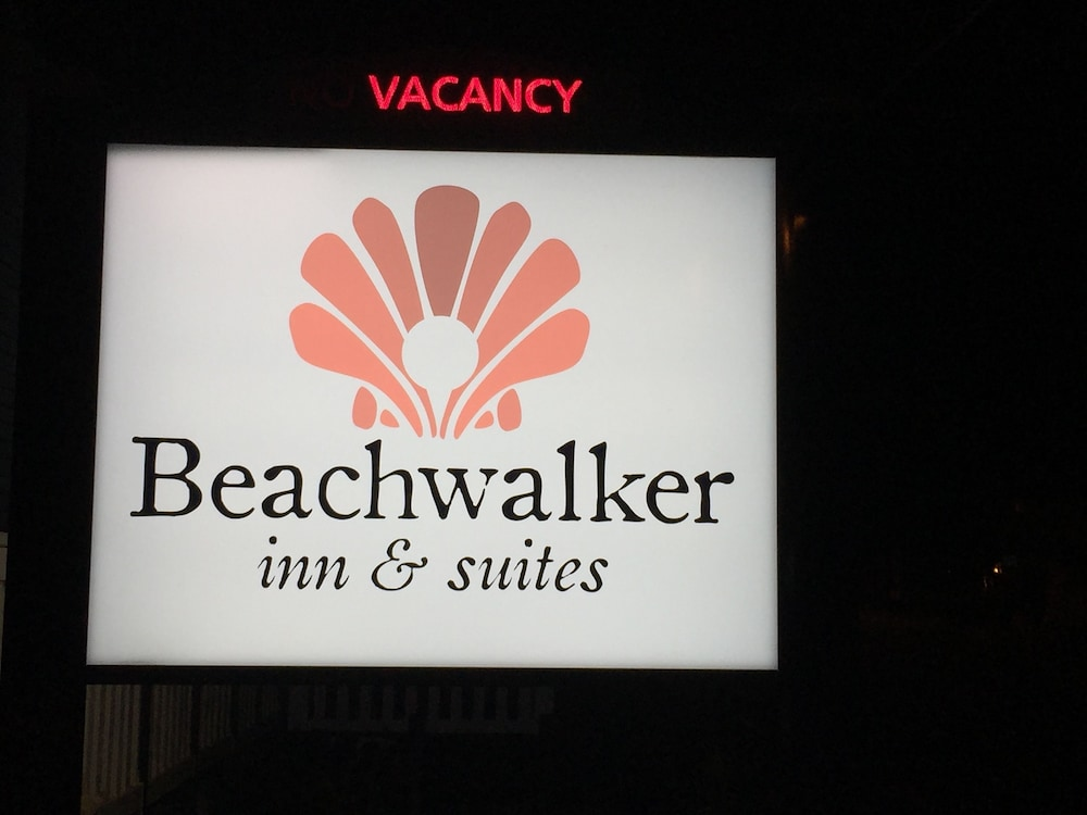 Front of Property - Evening/Night, Beachwalker Inn and Suites