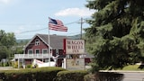Wagon Wheel Inn - Lenox Hotels