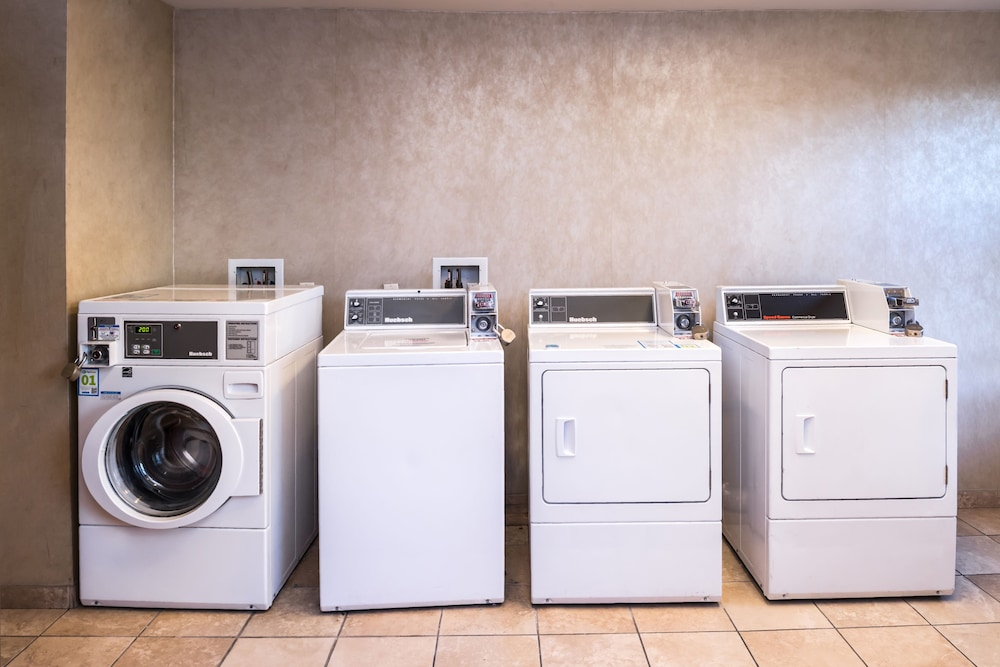 Laundry Room, Holiday Inn Ontario Airport