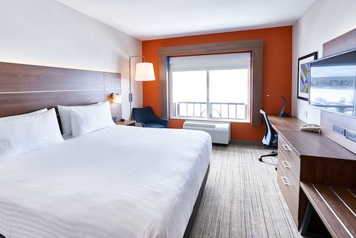 Holiday Inn Express Hotel & Suites Airport Dieppe