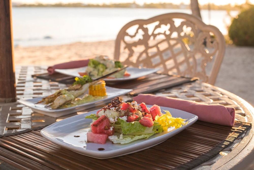 Food and Drink, Chabil Mar Luxury Villas - Guest Exclusive Beach Resort
