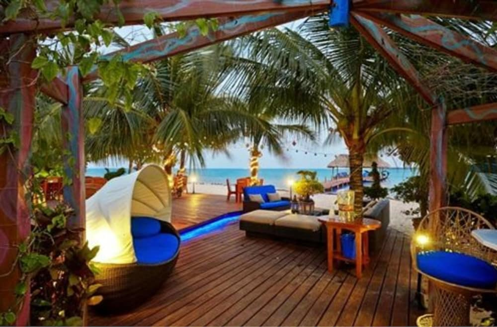 Lounge, Chabil Mar Luxury Villas - Guest Exclusive Beach Resort