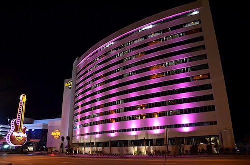 Front of Property - Evening/Night, Hard Rock Hotel Casino Biloxi