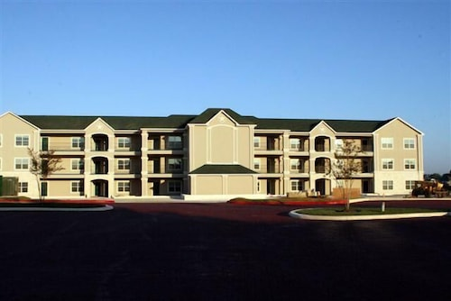 Check Expedia for Availability of Southern Empress Lakeside Condominiums