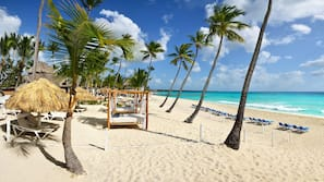 Private beach, white sand, sun-loungers, beach towels